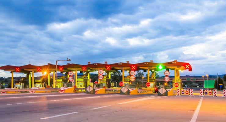 Кто сможет бесплатно ездить по платным дорогам: решение Кабмина