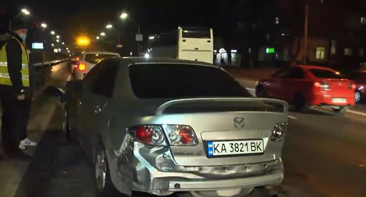 В Киеве парень потерял права из-за масштабной ДТП: подробности