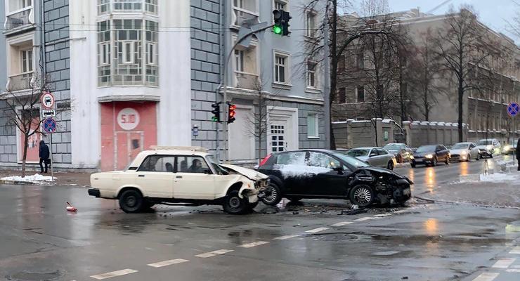 Серьезное ДТП в самом центре столицы: видео аварии