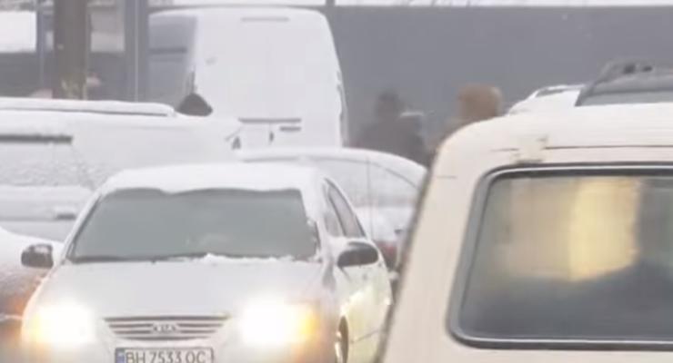 В Одесской области перекрыли две дороги из-за снегопадов: подробности