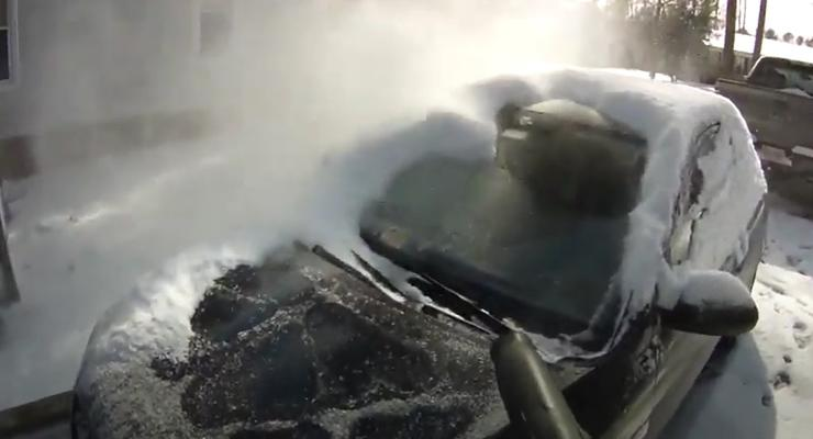 Очистка машины от снега: самый быстрый способ, видео
