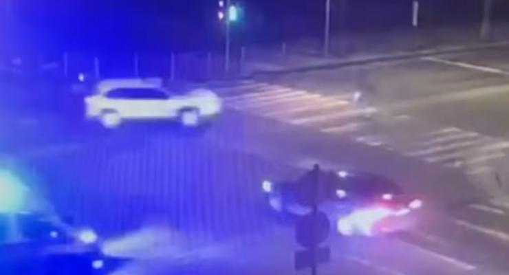 Под Киевом сбили 15-летнего подростка на пешеходном переходе: видео