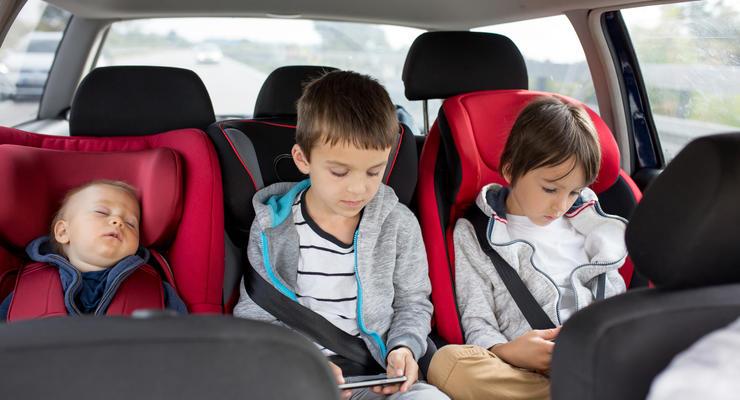 В Украине изменили правила перевозки детей: что нужно знать родителям