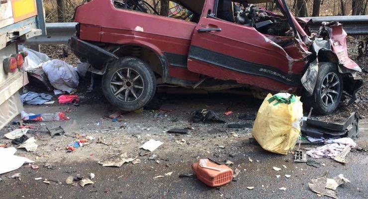 Смертельное ДТП на трассе Киев-Чоп: у водителя ВАЗ не было шансов
