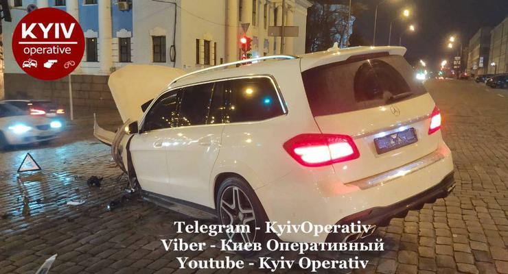 Серьезная авария в самом центре Киева: Audi против Mercedes