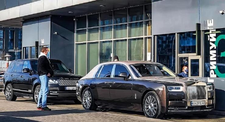 В Киеве заметили кортеж из Rolls-Royce и Range Rover на МакДрайве: фото