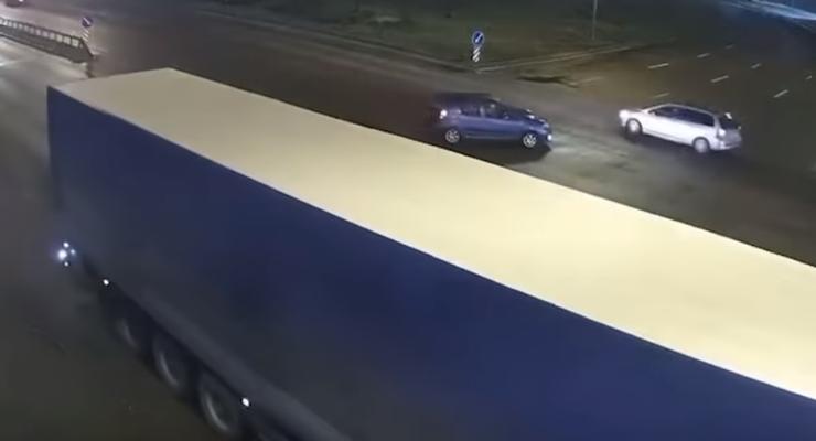 Устроил ДТП и попытался сбежать: авария с пьяным водителем в Киеве