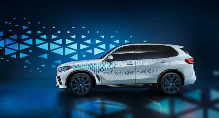 BMW анонсировали обновленный X5 на водороде: что известно
