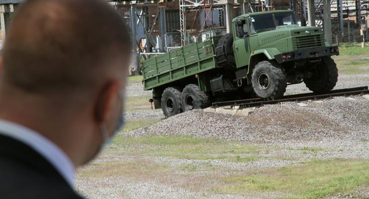 В Минобороны раскритиковали качество КрАЗов: подробности инцидента