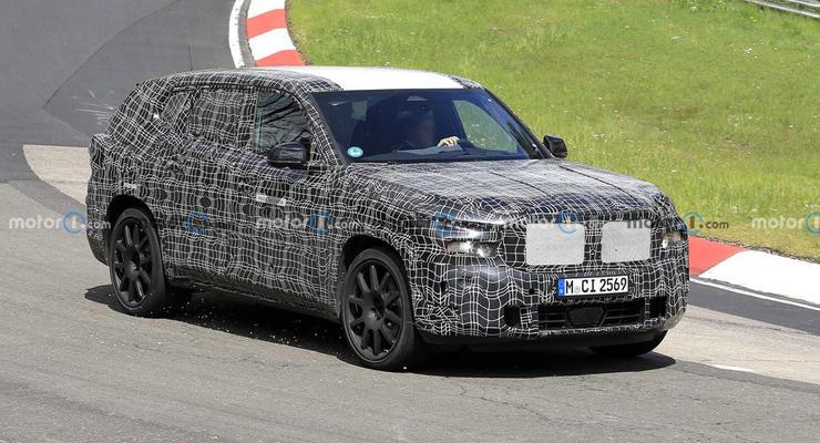 Еще больше и быстрее: на Нюрбургринге засекли новый кроссовер от BMW