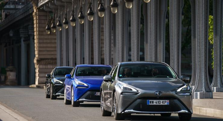 Toyota установила мировой рекорд дальности пробега на водороде: видео