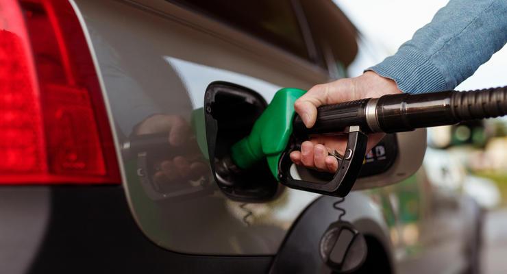 Минэкономики подняло цены на топливо в Украине: подробности