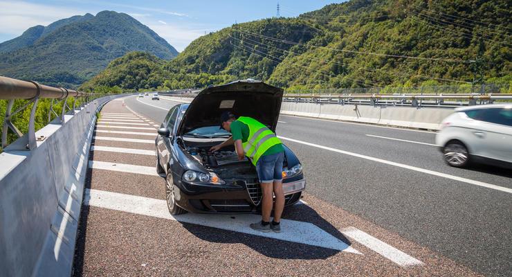 Водителей и пассажиров обяжут носить светоотражающие жилеты: подробности