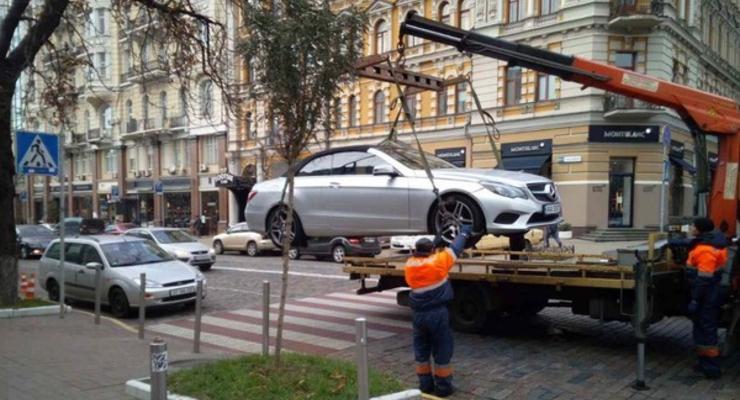 Когда автомобиль могут забрать на штрафплощадку в Украине: ответ юриста
