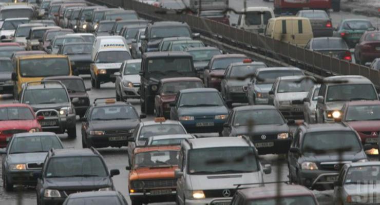Как менялась Украина на дороге за 30 лет: от ЗАЗ и ВАЗ до KIA и Toyota