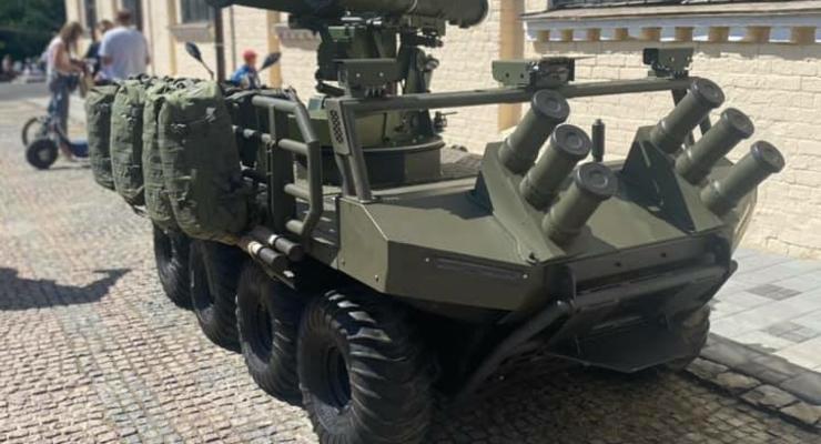На параде ко Дню Независимости покажут военных роботов: фото