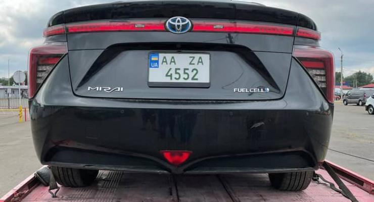 В Украину завезли первый водородный автомобиль: фото