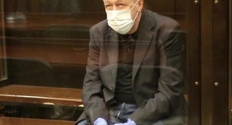 Суд отклонил просьбу Михаила Ефремова о смягчении наказания