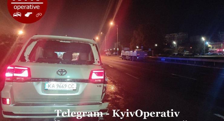 Пьяный сотрудник СТО разбил новенькую Toyota Land Cruiser: фото