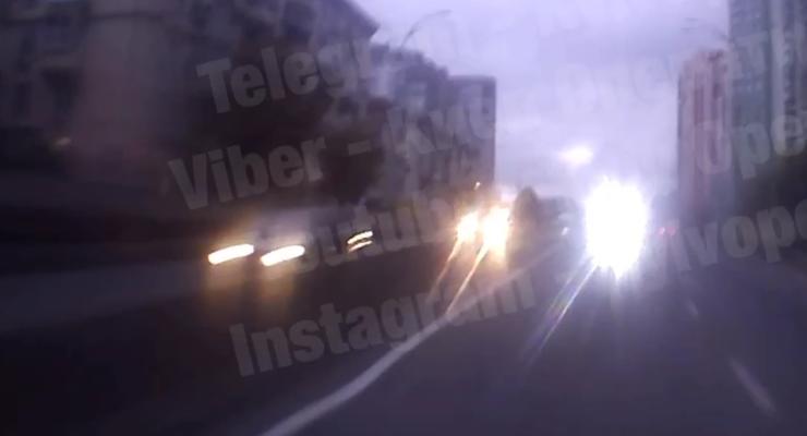 Что будет, если водитель выедет на встречку в тоннеле: видео