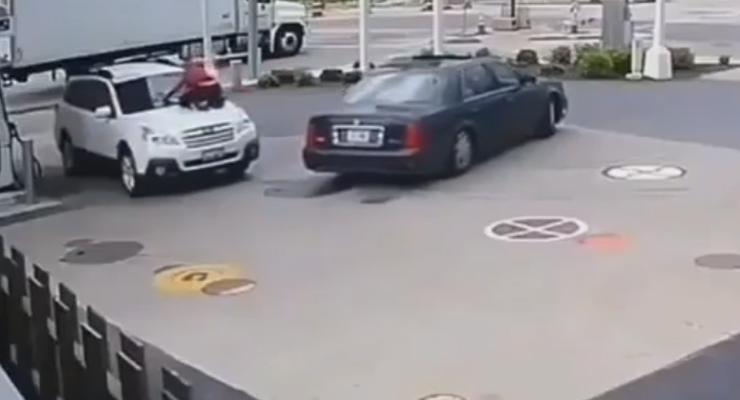 Девушка смогла отбить у грабителей свой Subaru: эпичное видео