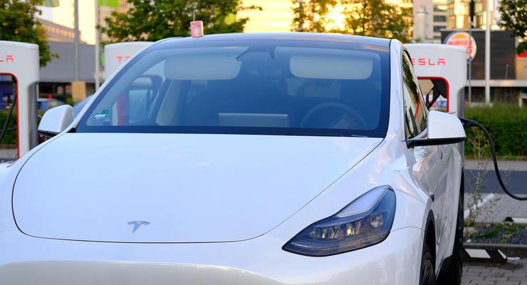 Tesla сломалась, после того как попала под сильный дождь: подробности