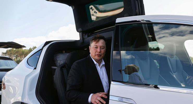 Сильные мира сего: на каких автомобилях ездят Маск, Цукерберг и Безос