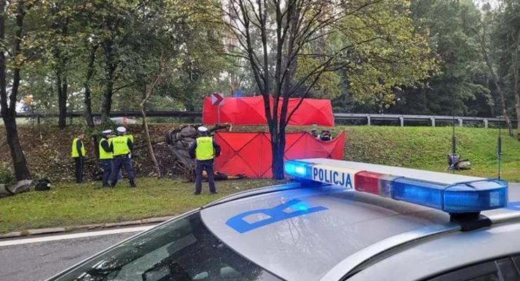 Двое украинцев разбились насмерть в Польше: подробности