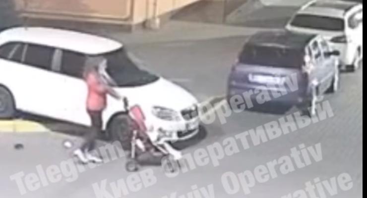 Водителю на Борщаговке разбили автомобиль из-за неправильной парковки